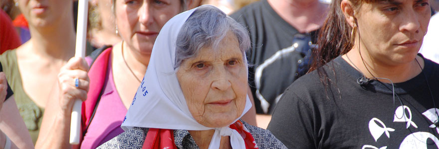 Mothers of the Plaza de Mayo in silent protest